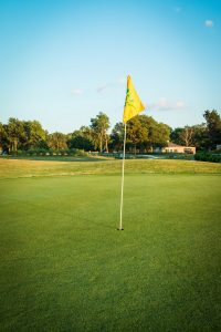 golf-course-flag
