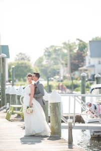 outdoor-wedding-at-harbor-lights